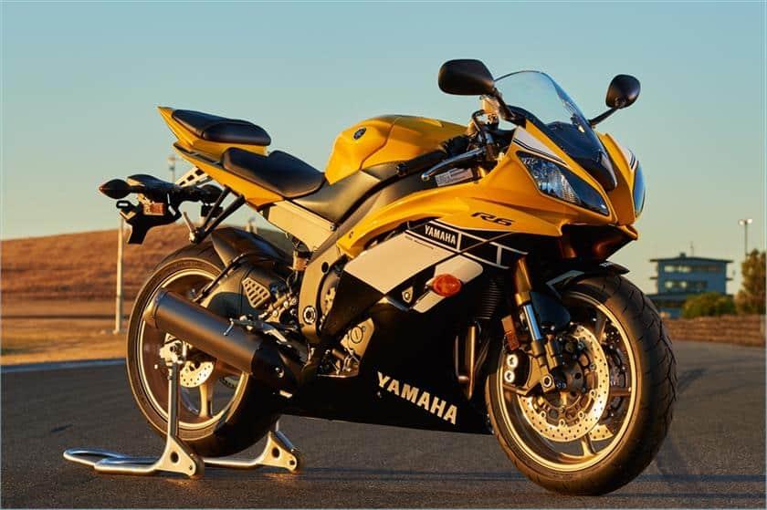 Yamaha yzf r6 specs 2006 2016 third generation runthacity for Yamaha r3 mpg